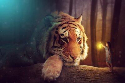 Картина Мир фантазии - женщина и гигантский тигр