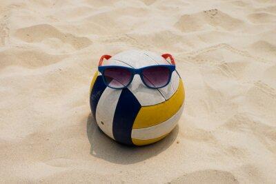 Картина волейбольная на пляже летом с Sunglass