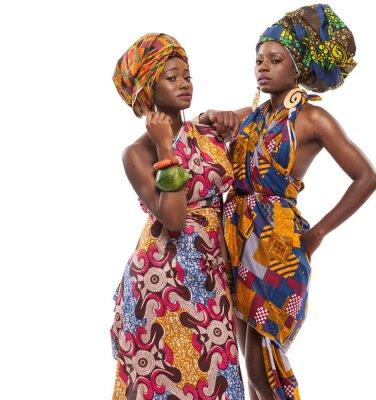Картина Африканские женские модели позируют в платьях.