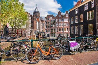 Картина Город Амстердам с велосипедами на мосту в Голландии