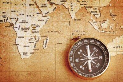Картина Старая латунные Компас на Treasure фоне карты