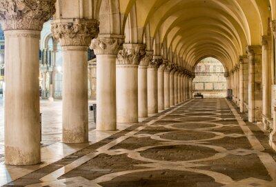 Картина Древние Столбцы в Венеции. Арки в площади Сан-Марко, Венеция