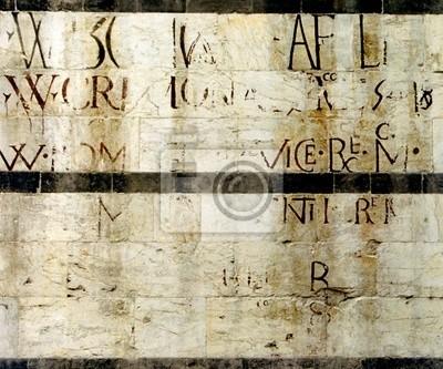 древняя надпись