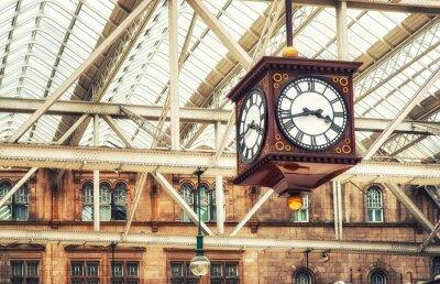 Картина Часы антикварной станции
