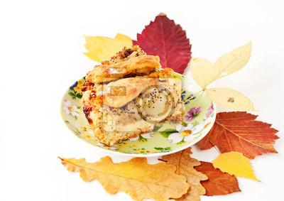 яблоко и груша пирог с осенними листьями