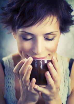 Картина Красивая девушка с чашкой кофе