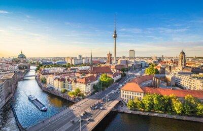 Картина Берлин горизонта панорама с телебашни и реки Шпрее на закате, Германии