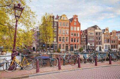 Картина Велосипеды припаркованный на мосту в Амстердаме