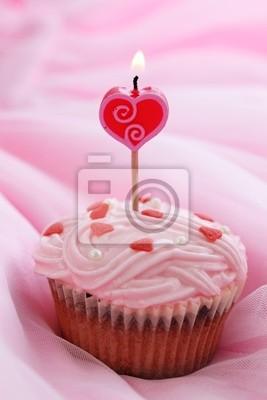 День рождения торт на розовом фоне