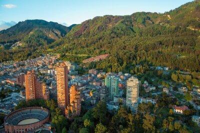 Картина Богота и горы Анды