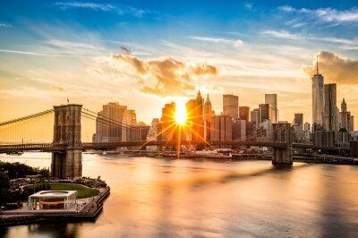 Картина Brooklyn Bridge and the Lower Manhattan skyline at sunset