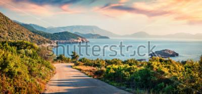 Картина Дорога до пляжа Иерусалима. Живописный утренний морской пейзаж Ионического моря. Кефалония, Греция, Европа. Концепция путешествия концепции.