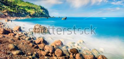 Картина Панорамный вид на пляж Авали. Невероятный утренний морской пейзаж Ионического моря. Захватывающая открытая сцена острова Лефкас, Греция, Европа. Концепция красоты природы.