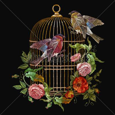 Картина Вышивка птиц и птиц клетка и цветы вектор. Классический вышивальный снег и золотая клетка, старинные бутоны из диких роз. Весеннее модное искусство, футболка, шаблон для дизайна одежды