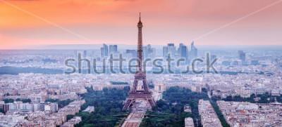 Картина Париж, Франция. Панорамный вид на Париж с Эйфелевой башней в центре. Удивительный закат пейзаж с драматическим небом.