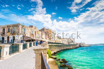Картина Побережье острова Ортигиа в городе Сиракузы, Сицилия, Италия. Красивые путешествия фото Сицилии.