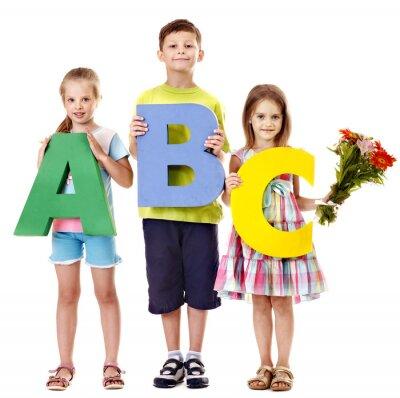 Дети, взявшись ABC.