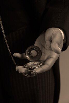 Картина Крупным планом руки афро-американский мужчина проведение старинные timepiec
