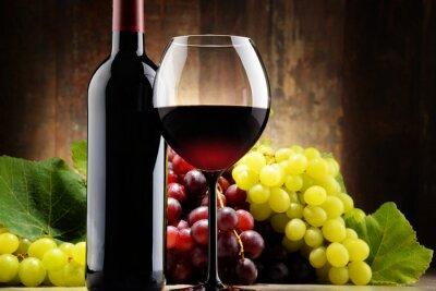 Картина Композиция с стекла, бутылка красного вина и свежего винограда
