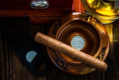 Картина Кубинскую сигару в пепельнице с бокалом коньяка объявлений хьюмидор