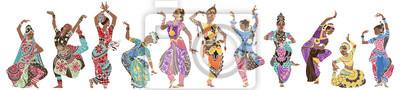 Танцующие девушки в ярких восточных костюмах
