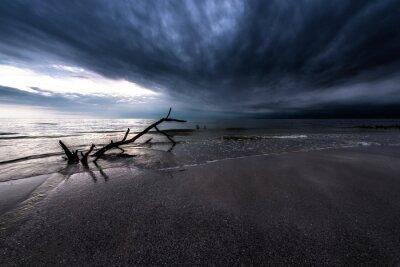 Картина Темные Облака над океаном