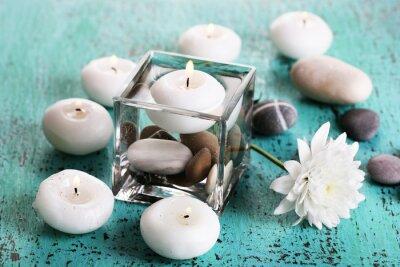 Картина Декоративные вазы со свечами, воды и камней