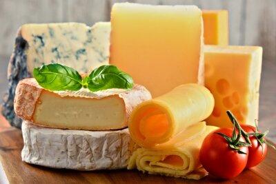 Картина Различные виды сыра на кухонный стол