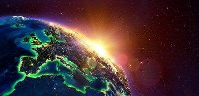 Картина Европа В Golden Sunrise - Вид из космоса