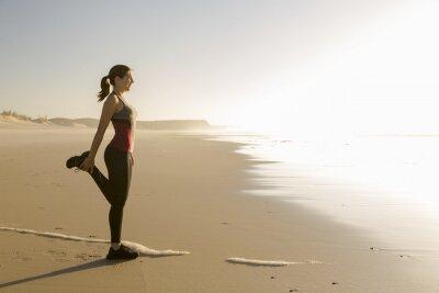 Картина Физические упражнения на пляже