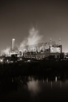 Картина Фабрика с дымоходом ночью в Филадельфии.