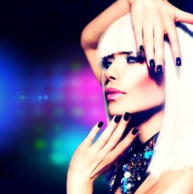 Картина Мода Disco Party портрет девушки. Фиолетовый макияж и белые волосы