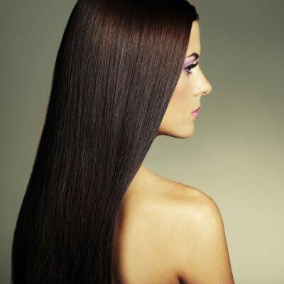 Картина Мода фото молодой женщины с темными волосами
