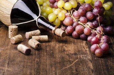 Картина Фиаско ди вино кон UVA электронной turaccioli су Тавола-ди-Леньо