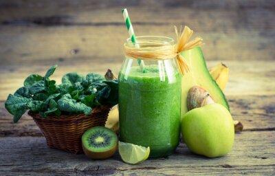 Картина Свежий и здоровый зеленый коктейль