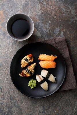 Картина свежие суши с рыбой