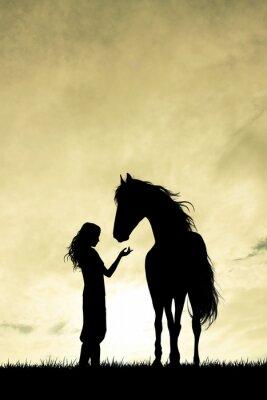 Картина девочка и силуэт лошади