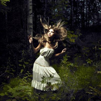 Картина Девушка в сказочном лесу