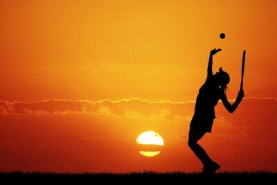 Картина Девушка играет в теннис на закате