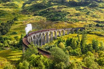 Картина Гленфиннан Железнодорожный виадук в Шотландии с якобита пара поезд, проходящий через