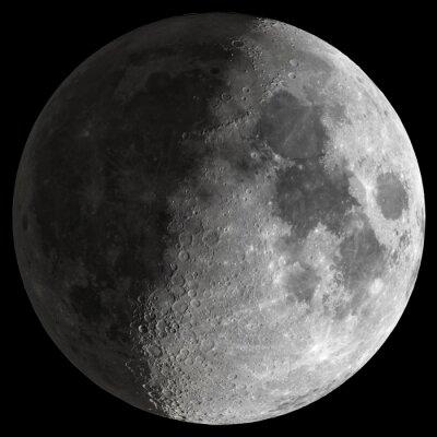 Картина Half Moon с четкими деталями.