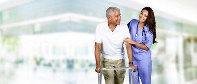 Картина Работник здравоохранения и пожилой человек