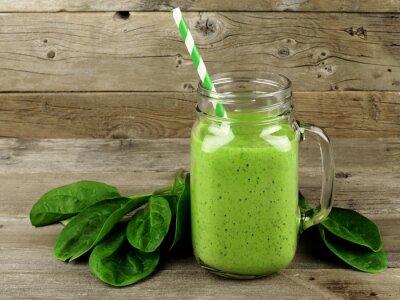 Картина Здоровый зеленый коктейль со шпинатом в банке кружку по дереву