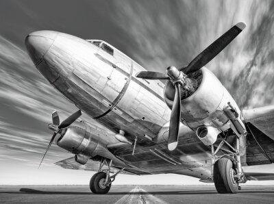 Картина исторический самолет на взлетно-посадочной полосы