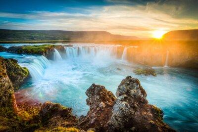 Картина Исландия, Godafoss на закате, красивый водопад, длинные выдержки