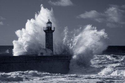 Картина Инфракрасный старый маяк под сильный шторм