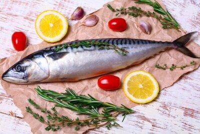Картина Ингредиенты для выпечки Scomber филе, включают сырые скумбрии, лимон, чеснок, розмарин