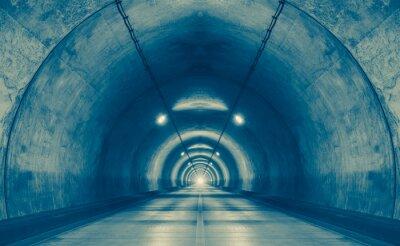 Картина Интерьер городской тоннель в горе без движения ..