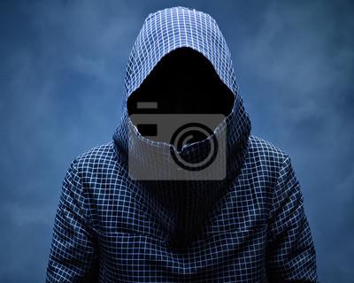 Невидимый человек в капюшоне. На синем фоне в дыму