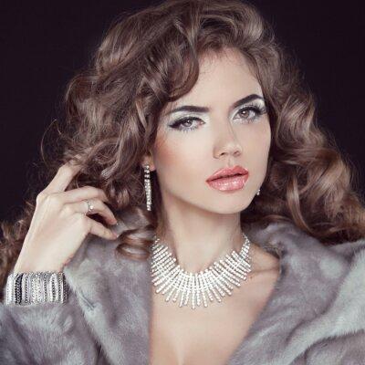 Картина Ювелирные изделия и мода элегантная дама. Красивая женщина, носить в Lux